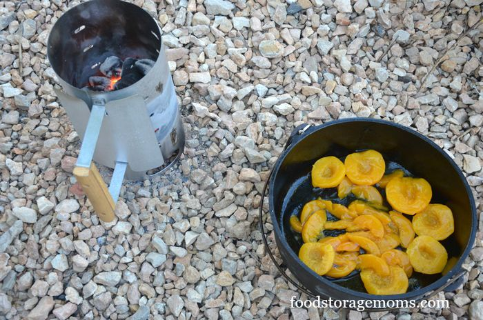 How To Make The Best Dutch Oven Peach Cobbler by FoodStorageMoms.com